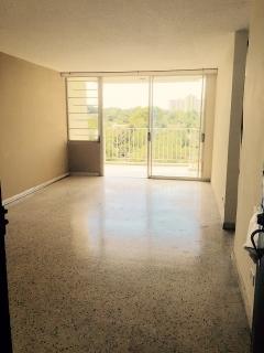 Se alquila apartamento en Concordia Gardens II