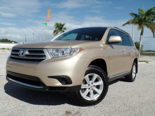TOYOTA HIGHLANDER 2011,SR.COLON 787-649-0586