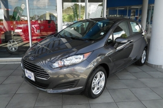 Ford Fiesta Se Gris Oscuro 2015