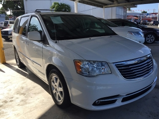 CHRYSLER TOWN COUNTRY 2012 787-701-5030