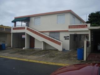 Casa con 4 ud apto. Urb. Flamboyan Gardens,Bayamon.Excelente Inversion.