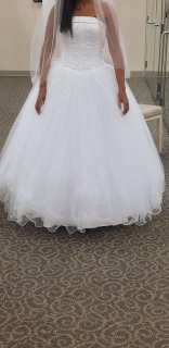 Hermoso vestido. Size 12/10 (corre pequeño)