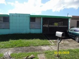 URB ROUND HILLS #664 CALLE VIOLETA