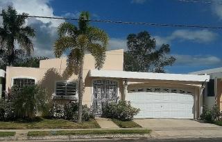 REBAJADA Excelente casa Urb Paseo de Santa Barbara , en Gurabo Puerto Rico