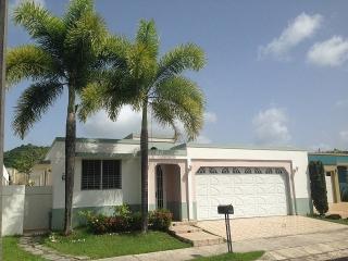 Hacienda Borinquen, 4H, 2B - Solo $1,000