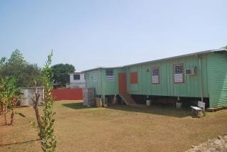Venta de Solar con Apartamento en Ocean Front Vega Baja PR.