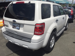 Ford Escape  XLT  2011  787-888-9999