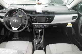 Toyota Corolla Le Plateado 2015