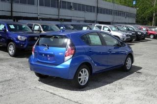 Toyota Prius C Four Azul 2015