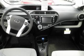 Toyota Prius C Four Plateado 2015