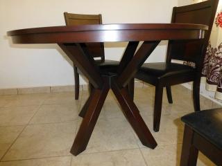 Juego de comedor en madera de 5 piezas