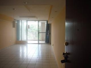 14-0335 En Cond. Patio Sevillanos, Trujillo Alto, PR