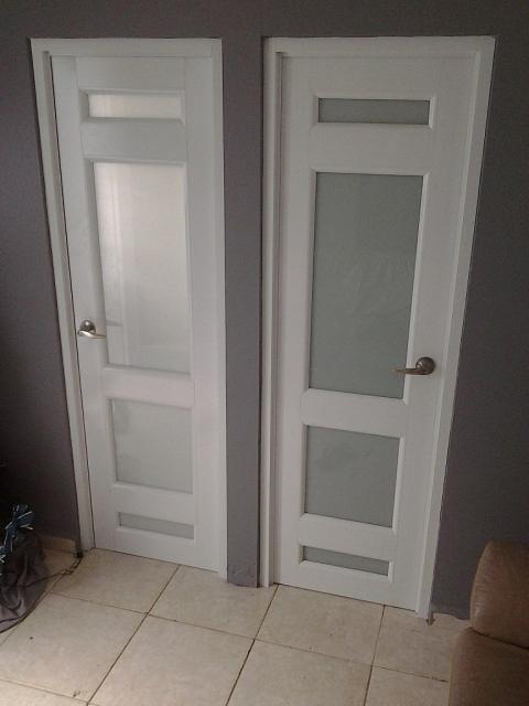 Puertas de aluminio para ba o interior for Puertas de aluminio para bano