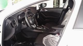 Mazda 3 Hatchback 2015!!