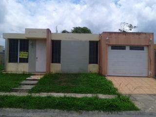 Urb. Estancias del Río C-10 Calle Ceiba