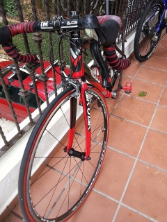 VELOVIE VECTEUR ROAD BIKE FULL CARBON 10SPD