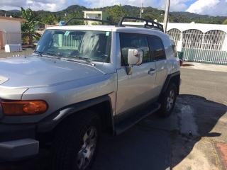 *Urge Venta Toyota FJ Cruiser en magnifico estado.