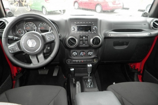Jeep Wrangler Unlimited Sport Rojo 2014