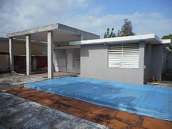 URB. ROLLING HILLS *HUD APORTA HASTA 3% PARA GASTOS DE CIERRE*