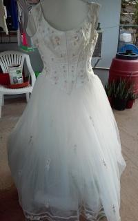 Venta de traje para novias o quinceañeras que quieran lucir como princesas su gran día. Excelentes condiciones (como nuevo) ya que se usó pocas horas.