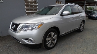 Nissan Pathfinder Platinum Plateado 2014