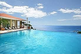 Hermoso apartamento con vista al mar y a la Isla de Desecheo
