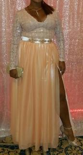 traje   de prom   largo o de fiesta color peach claro mandado a hacer la parte de aria toda es en lentejuelas