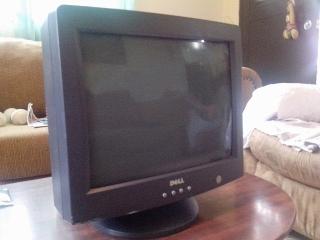 Monitores LCD  y CRT De Computers Como Nuevos!