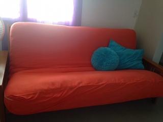 Cómodo futón en $200