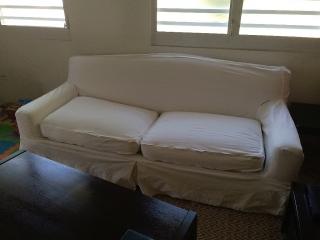 Se vende sofá blanco