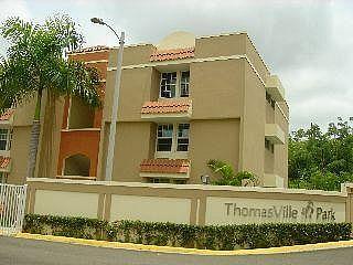 Amplio Penthouse ThomasVille Park, Carolina