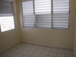 Cómodo apartamento de dos habitaciones (# 3)