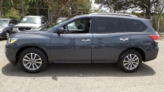 Nissan Pathfinder SV Azul 2013