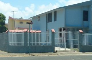 CASA DUPLEX EN ESQUINA/ URB LOS CAOBOS/PONCE