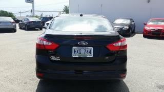 Ford Focus SE Negro 2012