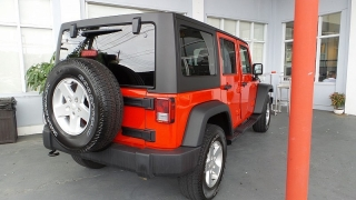 Jeep Wrangler Unlimited Sport Rojo 2015