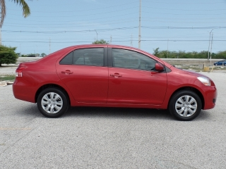 TOYOTA YARIS SEDAN 2012,SR.PLAZA 787-536-2941
