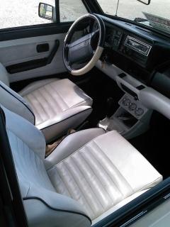 Se vende Cabrio del 1990, excelentes condiciones.