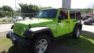 Jeep Wrangler Unlimited Sport Verde 2013