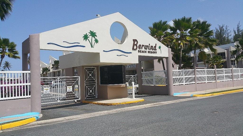 Baño Grande Pool Puerto Rico: Residencial > Apartamentos > Condominios