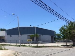 Edif. Industrial Reparada, Magnifica propiedad de esquina