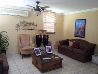 Se Renta Casa en Jardin Dorado, Dorado PR