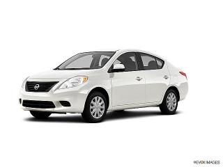 Nissan Versa S White 2012