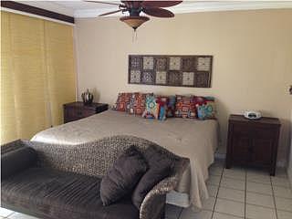 Coral Beach, Studio, $195K