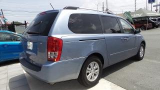 Kia Sedona LX Azul 2014