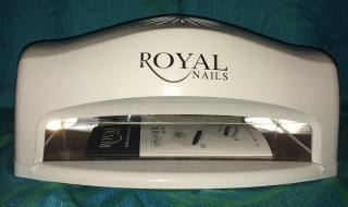 ROYAL NAILS, PARA AMBAS MANOS O PIES A LA VEZ