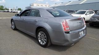 Chrysler 300 Base Plateado 2014