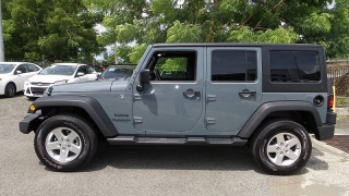 Jeep Wrangler Unlimited Sport Azul 2015