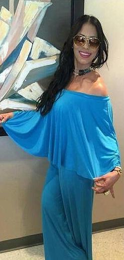Moraima Oyola vistiendo diseño casual De Nilsa Ramirez