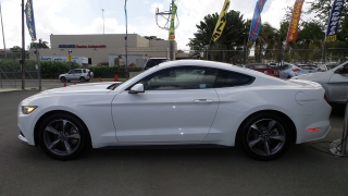 Ford Mustang V6 Blanco 2015